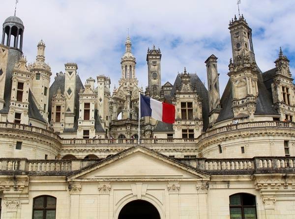 تعرف علي كيفية السفر للدراسة في فرنسا