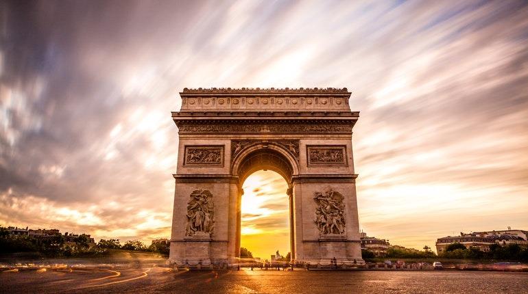 Photo of قوس النصر الأكثر شهرة فى باريس