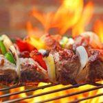الكباب البوسني من أشهر الأكلات البوسنية