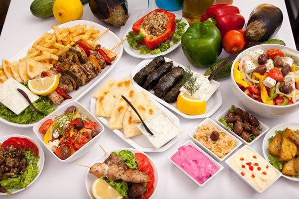 اكلات يونانية