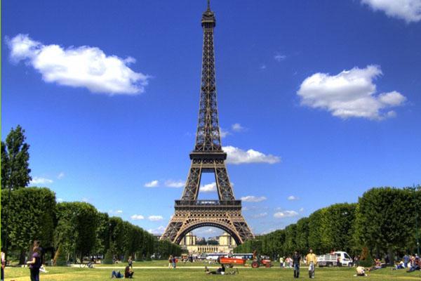 شروط الإقامة فى فرنسا