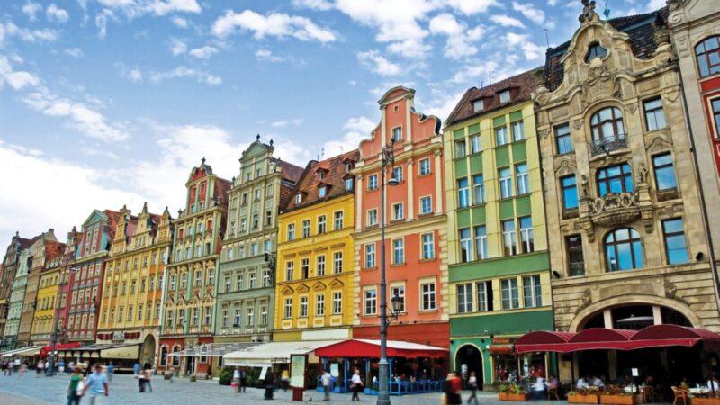 Photo of العمل فى بولندا … تعرف على قانون العمل البولندى وكيفية الحصول على اللإقامة