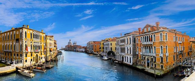 العمل فى إيطاليا