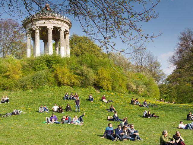 Photo of الحديقة الانجليزية في ميونخ… تعرف على أهم الأنشطة الترفيهية بها