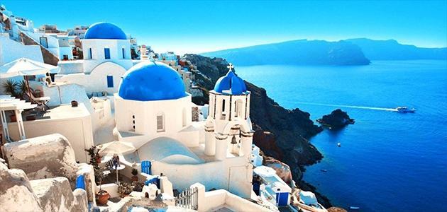 Photo of جزيرة سانتوريني واحدة من أجمل الجزر اليونانية