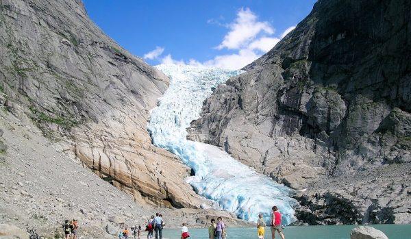 النهر الجليدى
