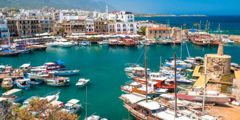 الاقامة فى قبرص اليونانية