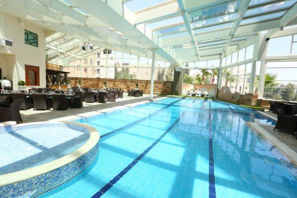 المسبح فندق برستول عمان