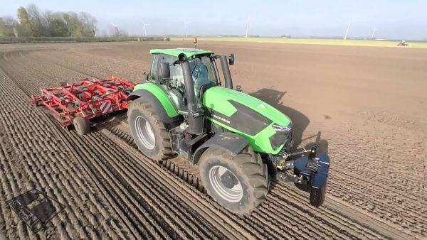 إستخدام الآلات الزراعية في الزراعة