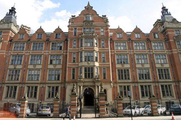 القبول لمرحلة الماجستير في جامعات بريطانيا
