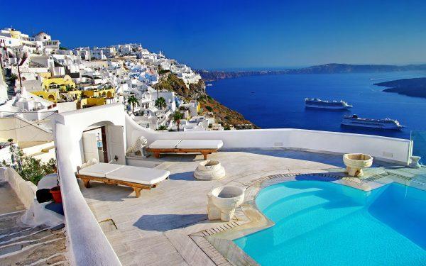 شاطئ جزيرة سانتوريني أجمل جزر اليونان