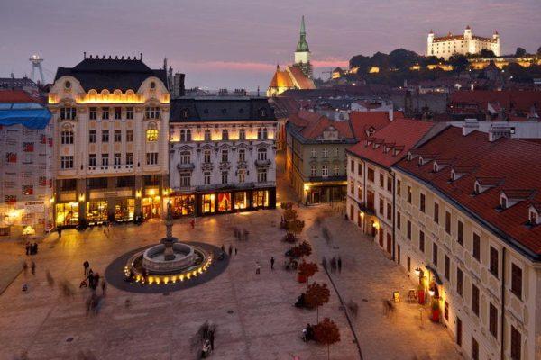 صورة لإحدي المدن في سلوفينيا