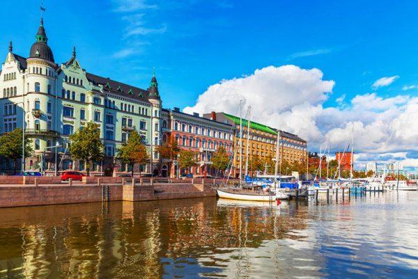 الجنسية الفنلندية بالولادة