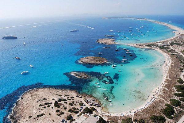 السحر والخيال في شواطئ أسبانيا