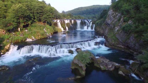 نهر أونا وشلالات شترباتشكي