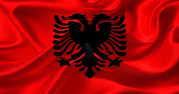 علم ألبانيا