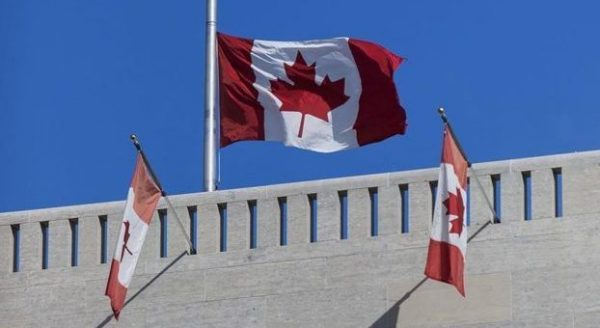 المستفيدين من اللجوء إلى كندا عن طريق السفارة