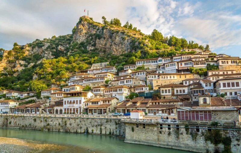 جمهورية ألبانيا