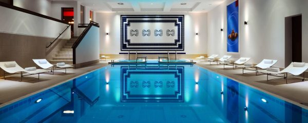 مسبح فندق ماريوت وارسو