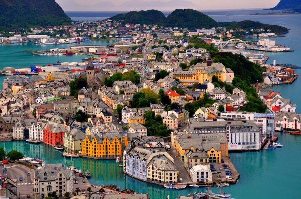 مدينة اليسوند فى النرويج