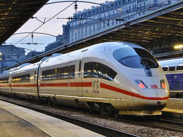 قطار فائق السرعة