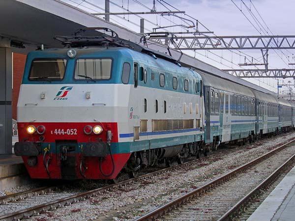 قطار intercity