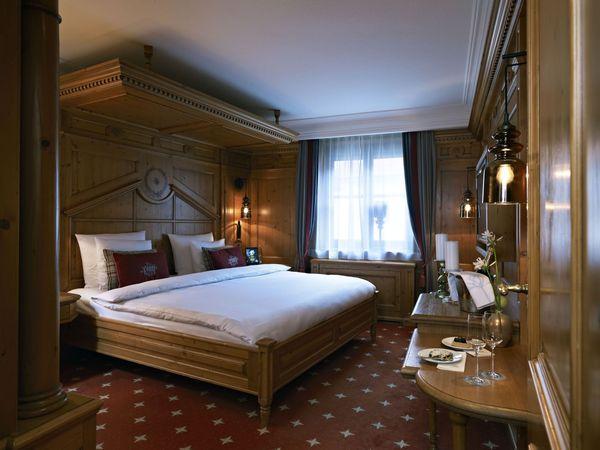 أحد الغرف فى فندق بلاتزل هوتل