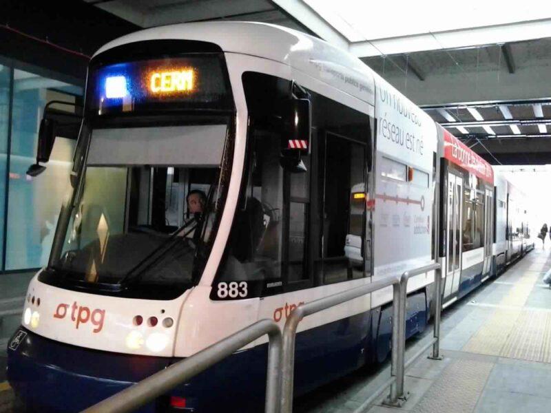 قطار من جنيف الى لوزان ..... تمتع بتجربة سفر مميزة
