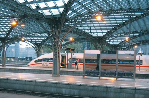 محطة القطارات الحديثة فى برلين