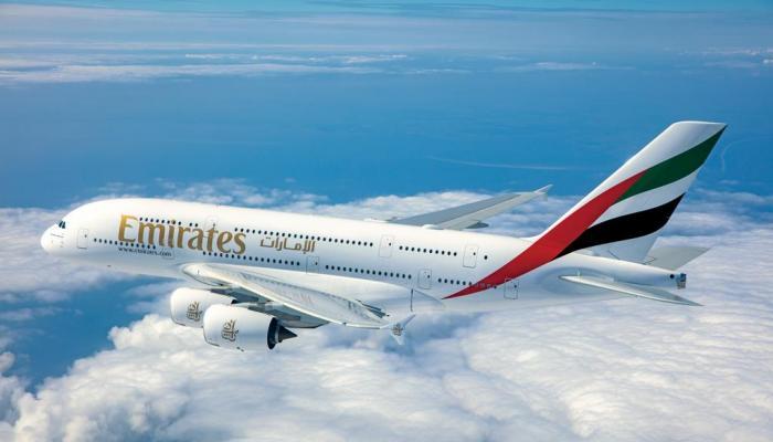 طيران من أيرلندا الي دبي