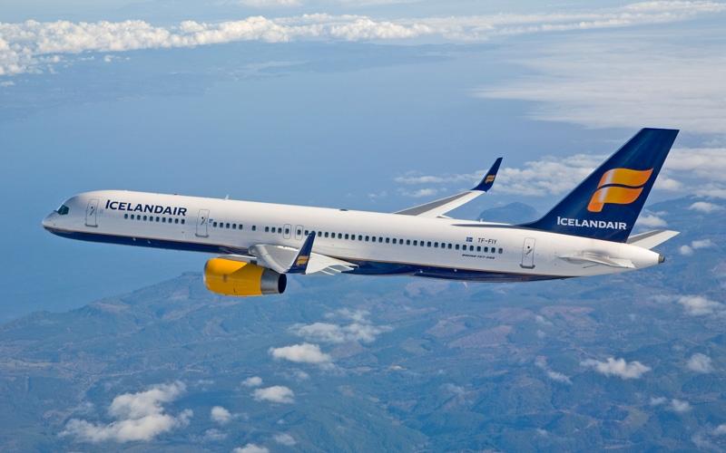 طيران من باريس الي ريكريافيك