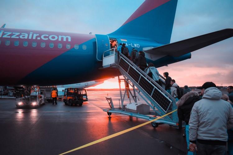 طيران من بوخارست الي بودابست