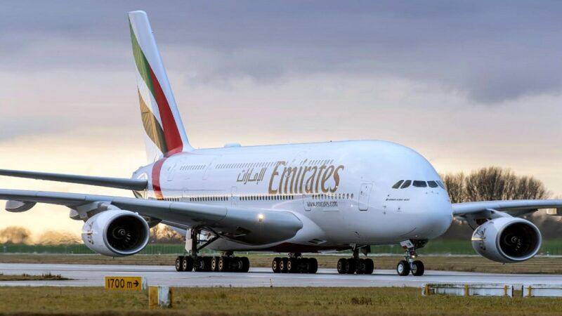 طيران من بوخارست الي دبي