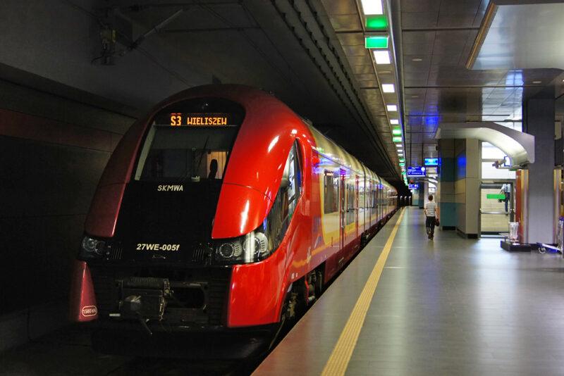 قطار من هامبورغ الي وارسو ... السهولة و المتعة و السرعة