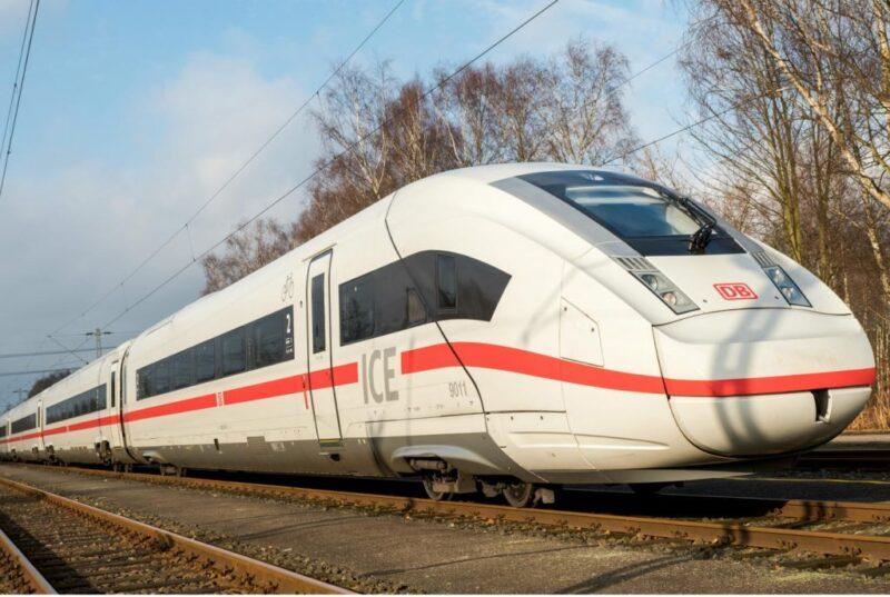 قطار من وارسو الى برلين ... متعة السفر في القطارات الأوروبية