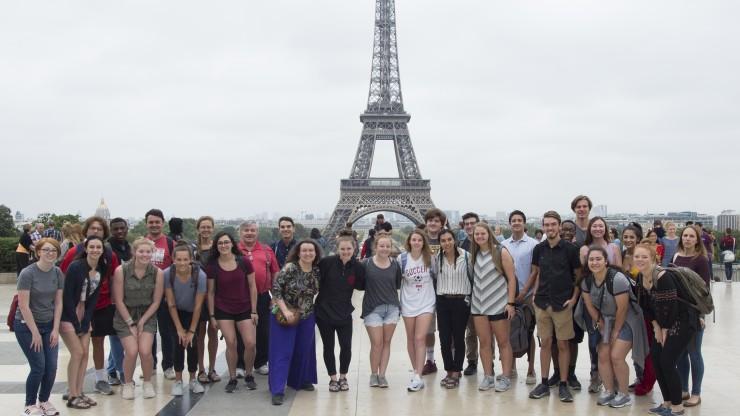 السفر الى فرنسا عن طريق التطوع ... تعرف علي التفاصيل