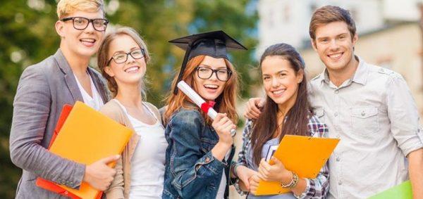 الجامعات البولندية