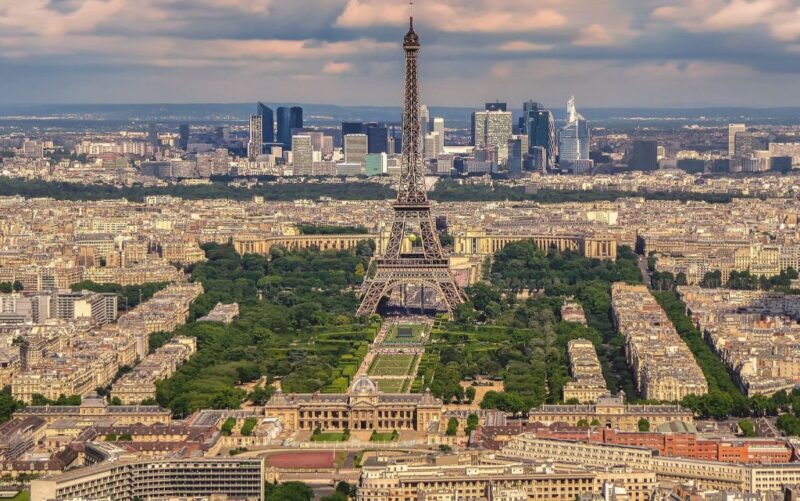اجراءات السفر الى فرنسا ..... تعرف على متطلبات السفر ورسوم التأشيرة