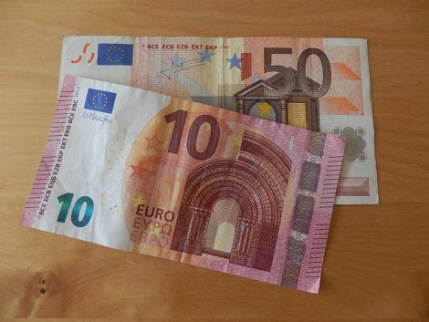 60 يورو