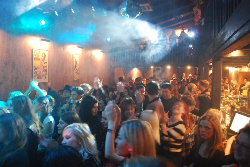 الاستمتاع بالحياة الليلية فى نوادى ليتوانيا