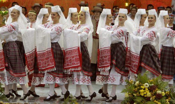 الهجرة من بيلاروسيا إلى بولندا عن طريق الزواج