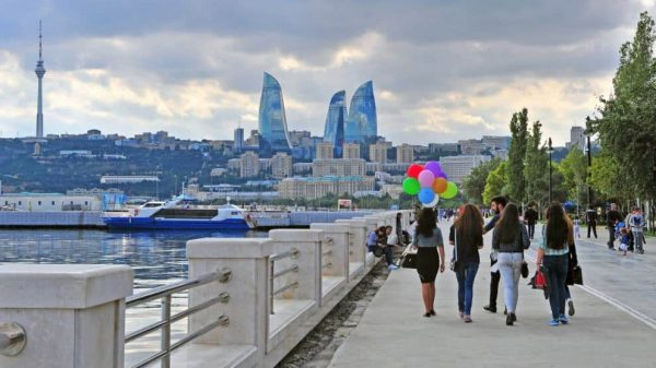 الإقامة فى أذربيجان للسوريين