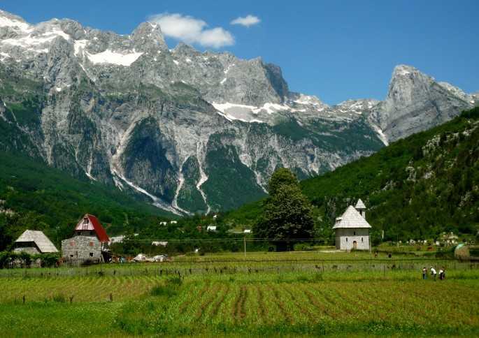 Photo of السفر الى البانيا من الاردن .. تعرف على كيفية الحصول على فيزا الإستثمار فى ألبانيا