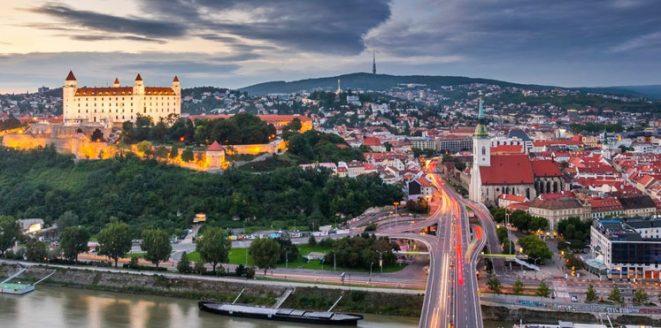 السفر الى سلوفاكيا من الجزائر.