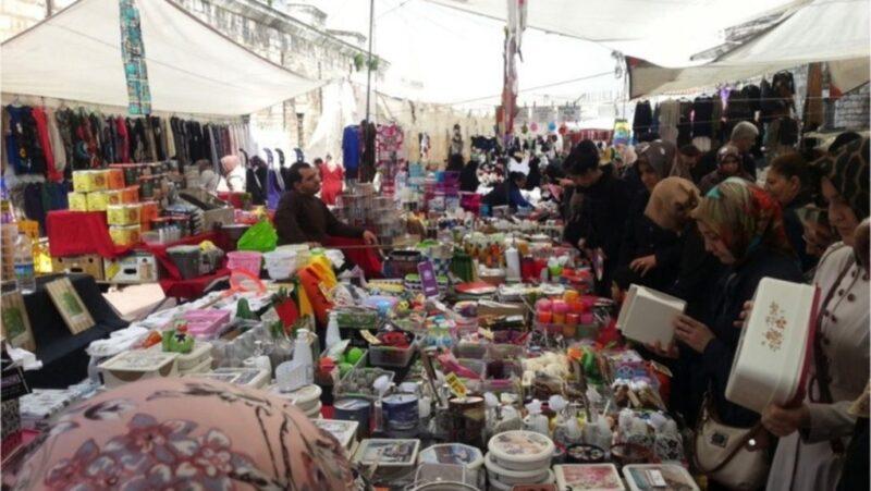 سوق الاحد في اسطنبول.