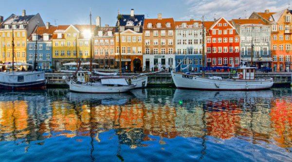 ميناء Nyhavn harbor