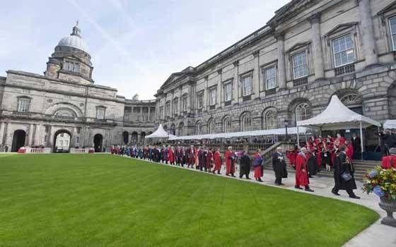 تخصصات جامعة ادنبرة
