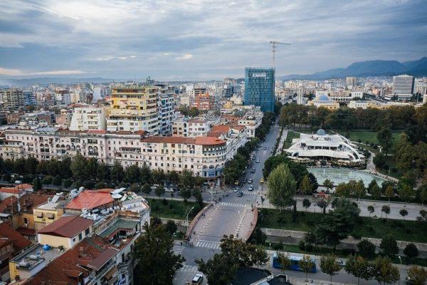 الإقامة فى ألبانيا عن طريق الإستثمار