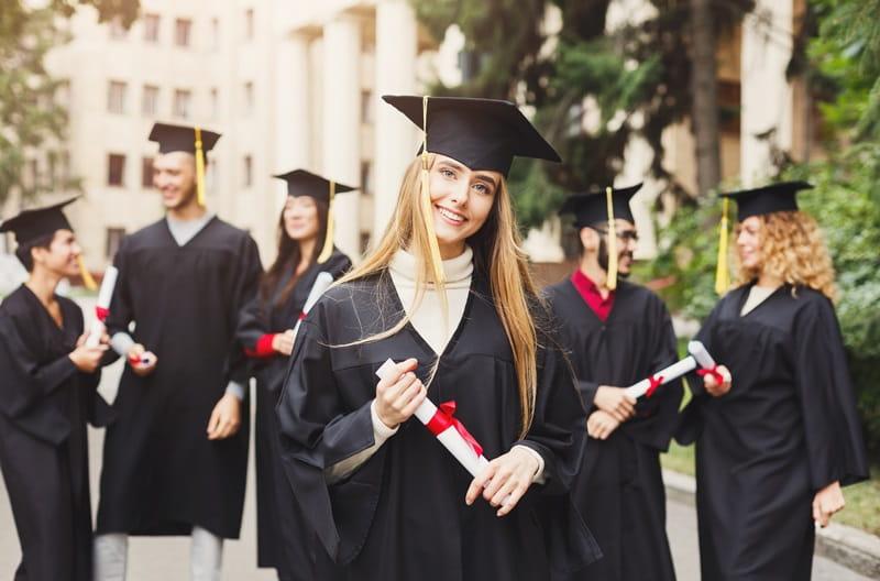 الجامعات الموصى بها في بريطانيا