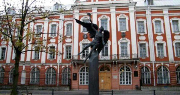 تكاليف الدراسة في جامعة سانت بطرسبورغ